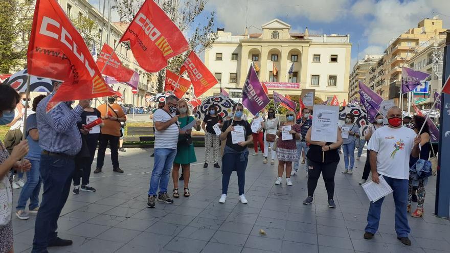 Protesta de los trabajadores de las residencias de la tercera edad de Alicante