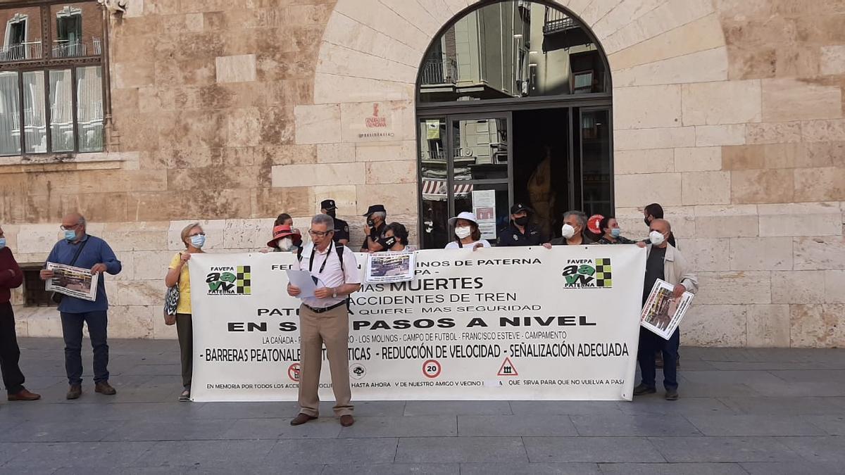 Protesta de Favepa ante el Palau de la Generalitat.
