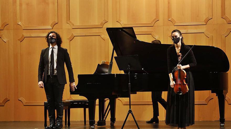 El Filarmónica se rinde a la música colorista de Cristina Gestido y Mario Bernardo