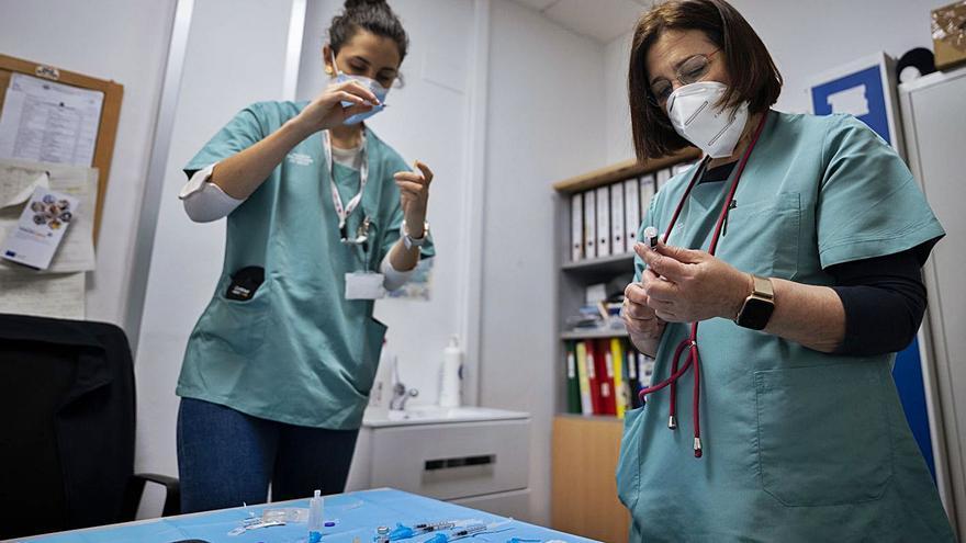 Los expertos piden una vacunación prioritaria para 25.000 crónicos