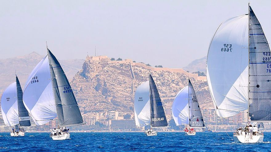 La Diputación dedica 100.000 euros a promocionar deportes náuticos