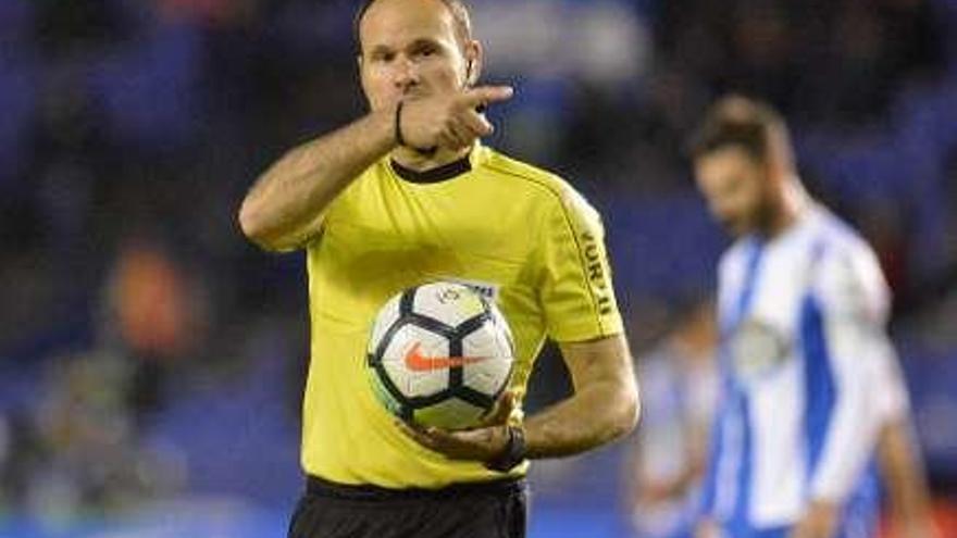 Mateu Lahoz, en su línea