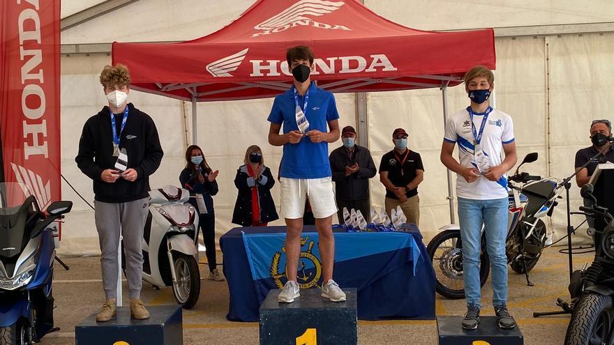 Carlos Marí del Club Náutico de Jávea, campeón autonómico en Bic Techno sub17