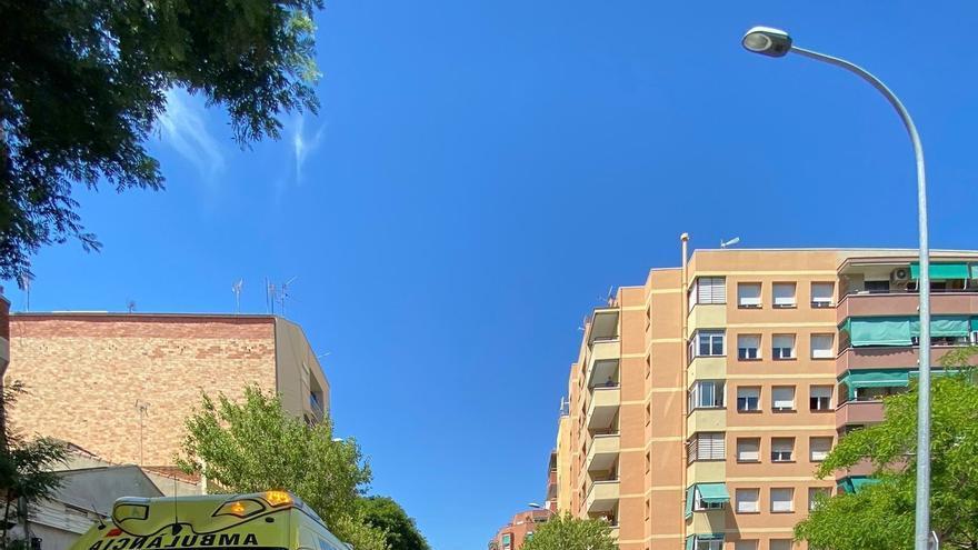 Un vehicle atropella cinc vianants al Prat de Llobregat