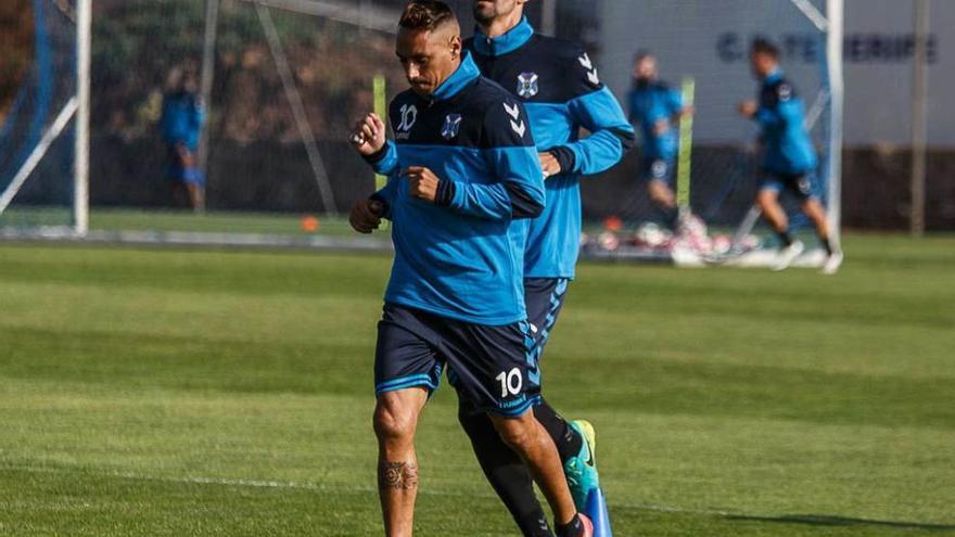 El técnico del Tenerife expulsa del entrenamiento al capitán, Suso