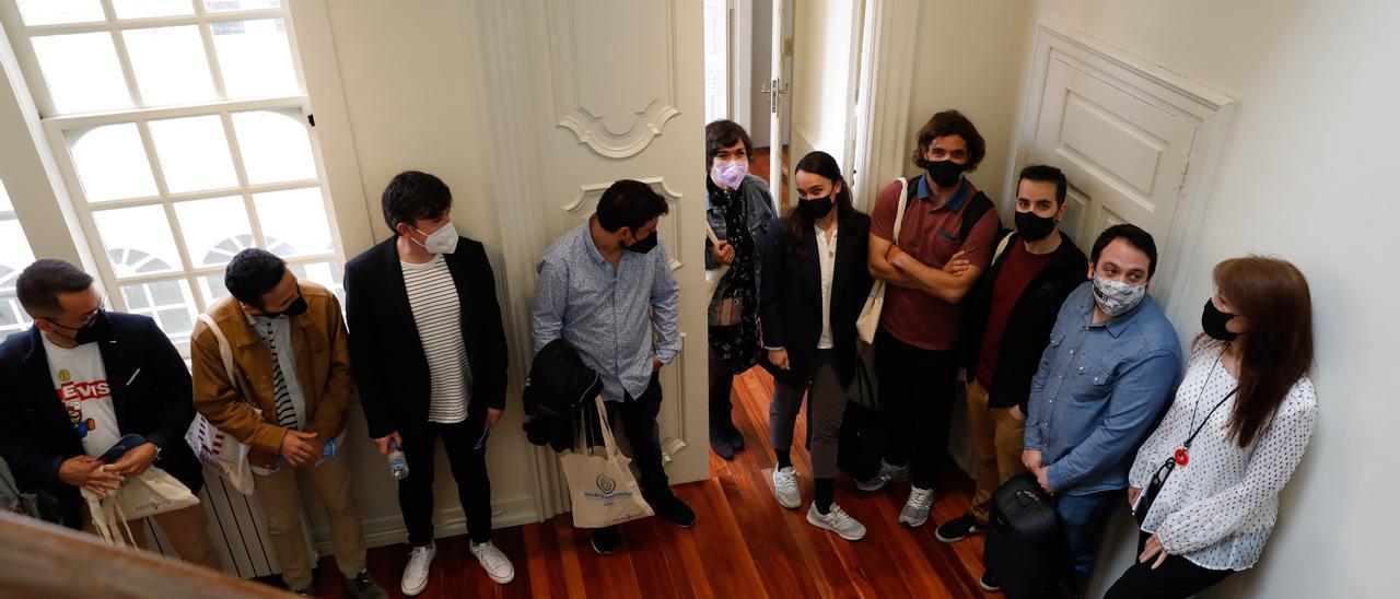 Emprendedores avilesinos, de visita en el palacio de Maqua.