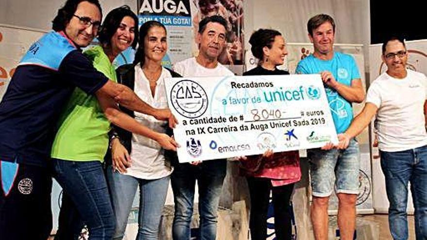 El Club Atletismo Sada corre y recauda dinero a favor de Unicef