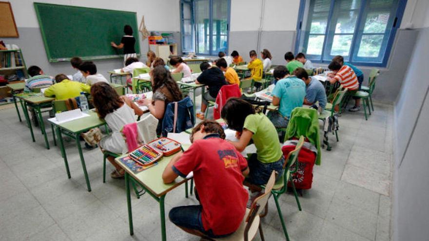 La plantilla de docentes de Canarias es la más envejecida de toda España