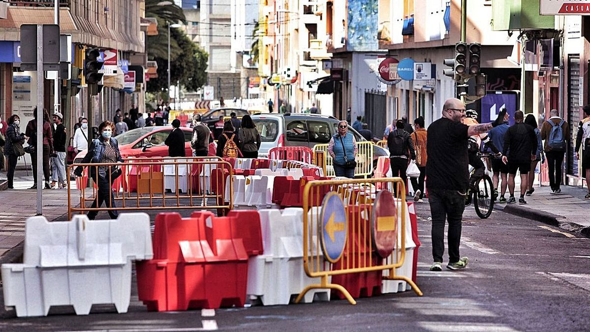 Primer día de cierre al tráfico de Heraclio Sánchez en mayo de 2020.