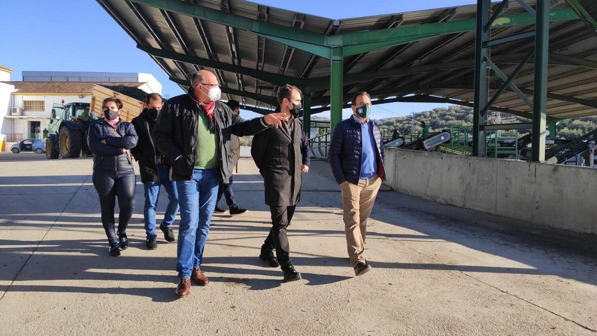 Valero critica que Moreno defiende políticas agrarias comunitarias que penalizan a pequeños agricultores