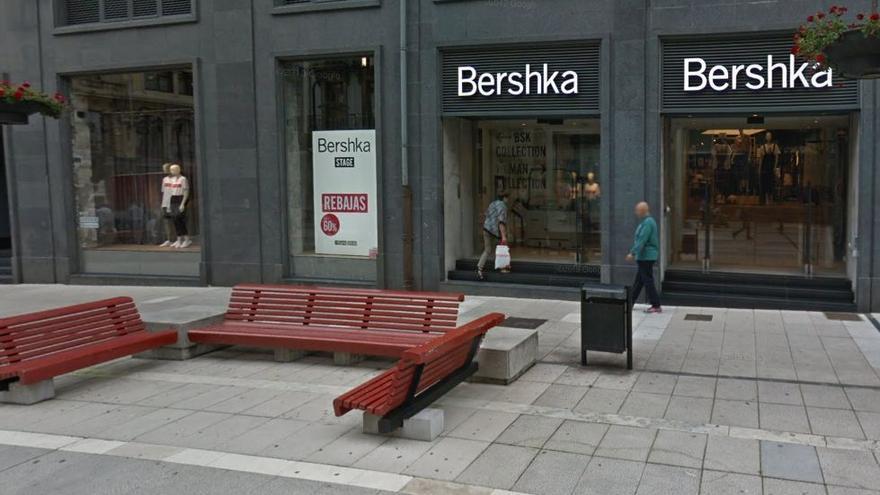 El grupo Inditex cierra su tienda de Bershka en Oviedo la próxima semana
