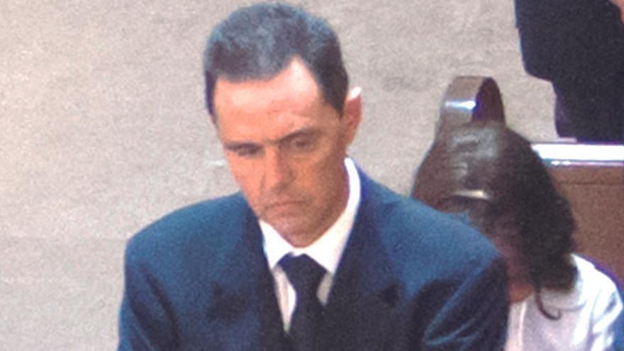 Miguel López usó su teléfono móvil 456 veces el día del crimen de su suegra