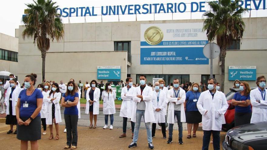 El comité de empresa rechaza que el Hospital de Torrevieja se pueda gestionar como una empresa pública