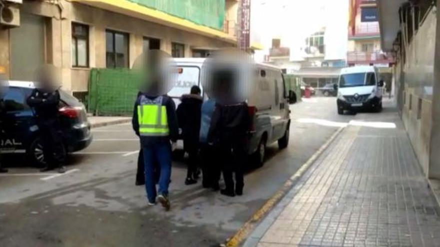 Una mujer recibe en Benidorm una paliza de cinco miembros de la familia de su exmarido