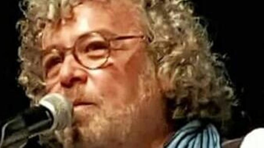 El cantant figuerenc Sam suma vint-i-vuit actuacions des del confinament