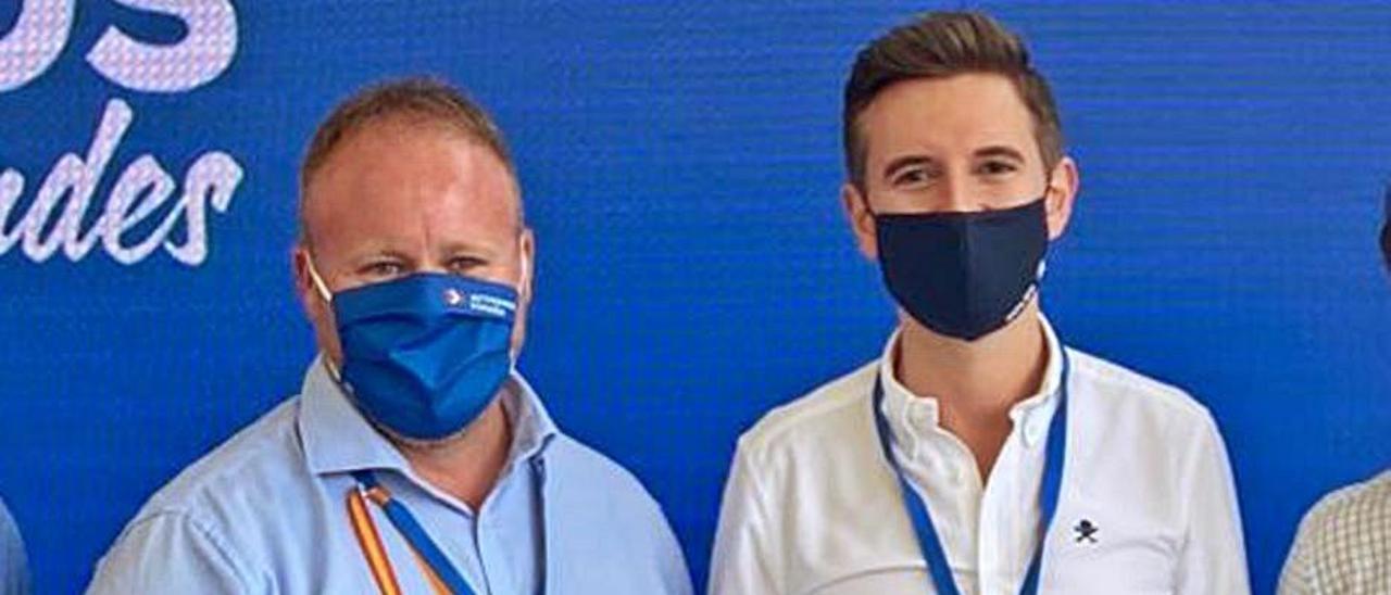Avelino Mascarell y Víctor Soler, en un congreso del PP.                  | LEVANTE-EMV
