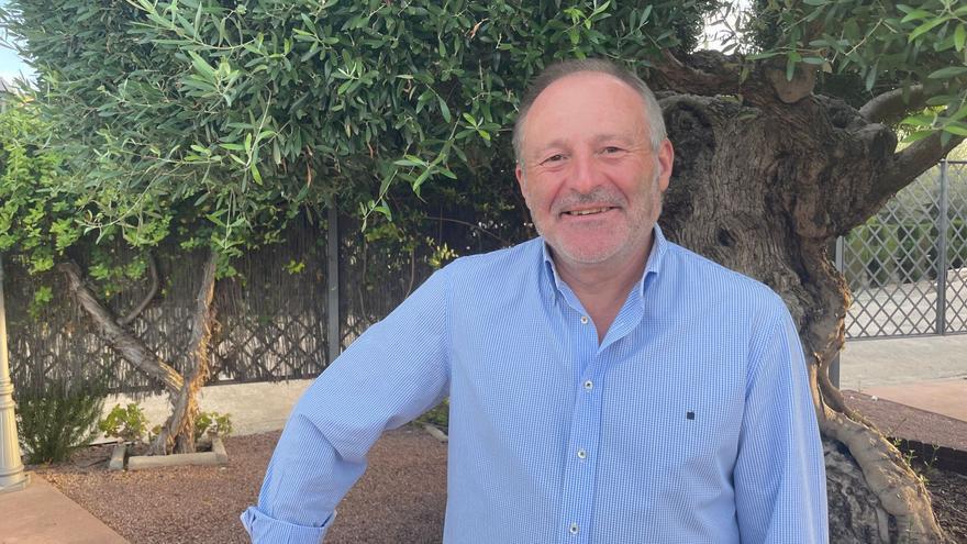 Antonio Esquembre se jubila tras una vida dedicada a la docencia