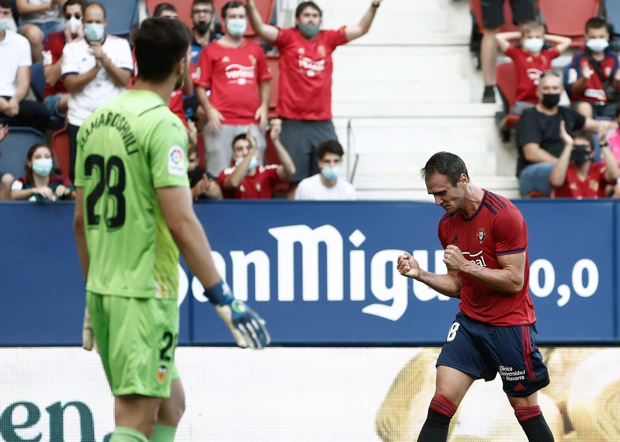 Las imágenes de la victoria del Valencia frente al Osasuna en el Sadar