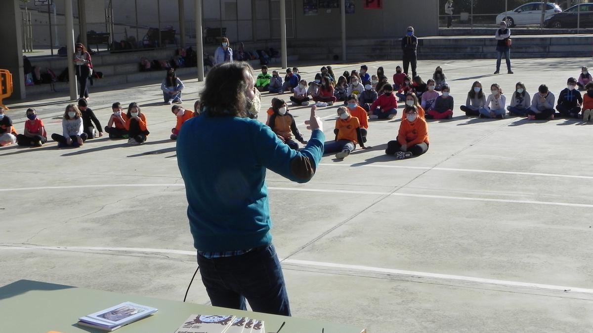 Celebración de Sant Jordi en el colegio Cas Capiscol.