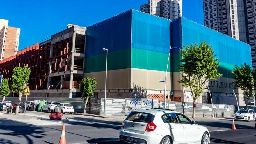 Catorce empresas pugnan por las obras del Centro Cultural de Benidorm