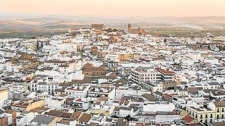 El Ayuntamiento de Montilla da luz verde a una subida del 3,5% del IBI y del 4,3% del recibo del agua