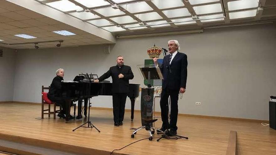 Navia revive la amistad de Zorrilla y Campoamor con un recital