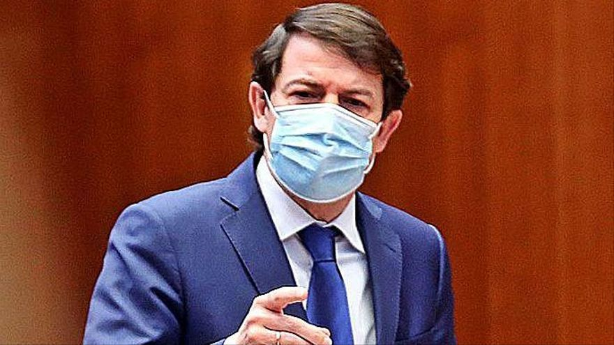 """Mañueco ve """"negacionista"""" a Tudanca, que le pide dejar de """"hacer daño"""" a la región"""