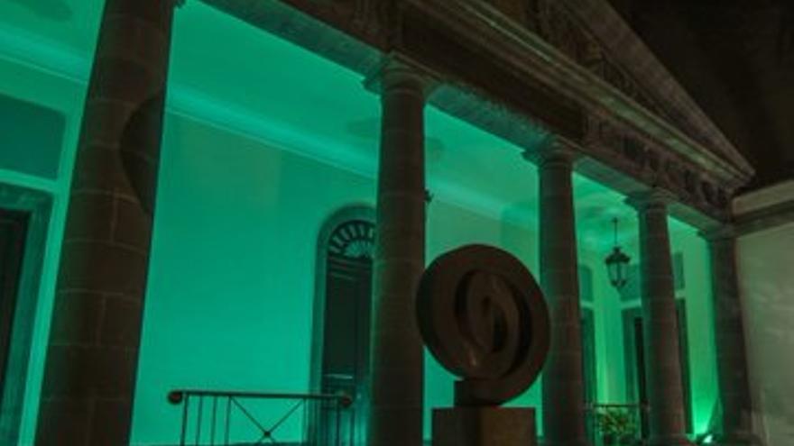¿Por qué los edificios de Canarias se iluminan en verde?