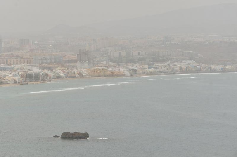 Calor y calima en Las Palmas de Gran Canaria (08/06/21)