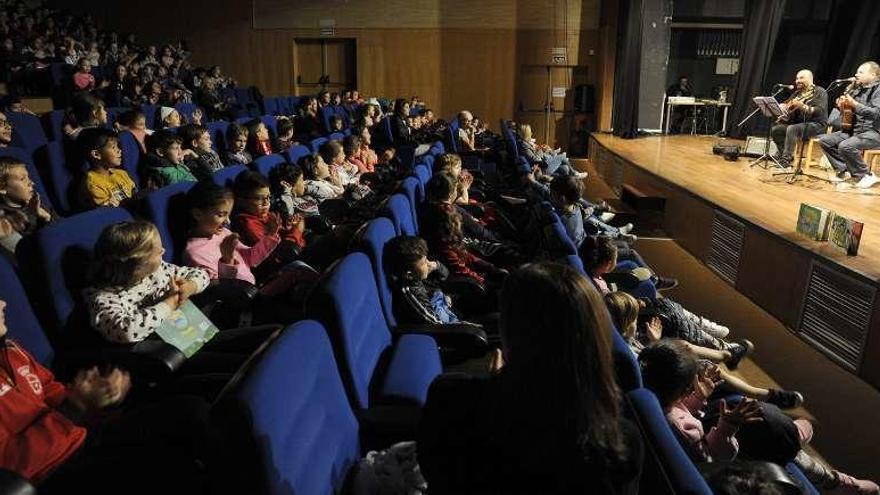 Espectáculo poético-musical para escolares lalinenses