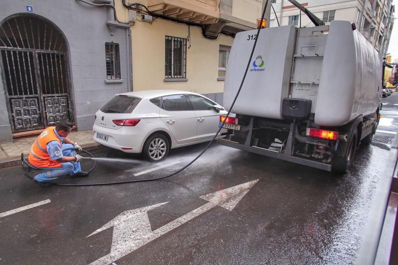 Plan de limpieza en los barrios santacruceros