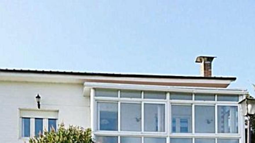 200.000 € Venta de casa en Pola de Siero (Siero) 250 m2, 4 habitaciones, 2 baños, 800 €/m2...