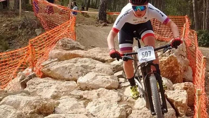 Sara Yusto, segunda en la carrera de Cofrentes