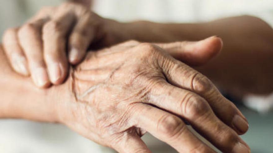 El tennis taula és beneficiós per a les persones amb Parkinson, segons un estudi