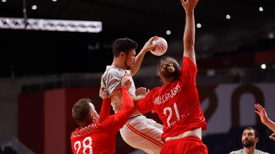 España cae ante Dinamarca y peleará por el bronce en balonmano