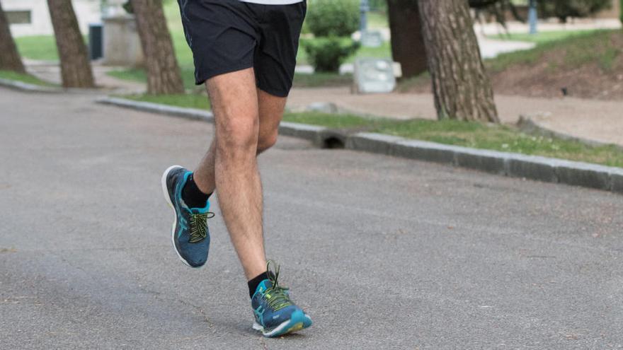 El ejercicio que arrasa en las redes y que debes hacer para perder peso y restar calorías sin pasar hambre