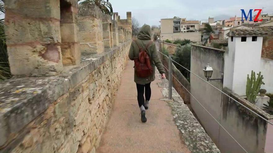 600 Meter nonstop über die Stadtmauer von Alcúdia