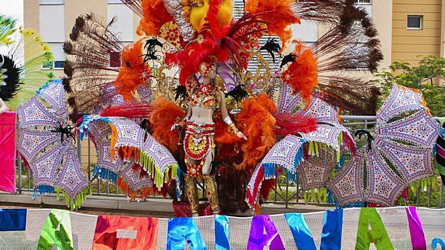Carnaval en una terraza de Chamberí