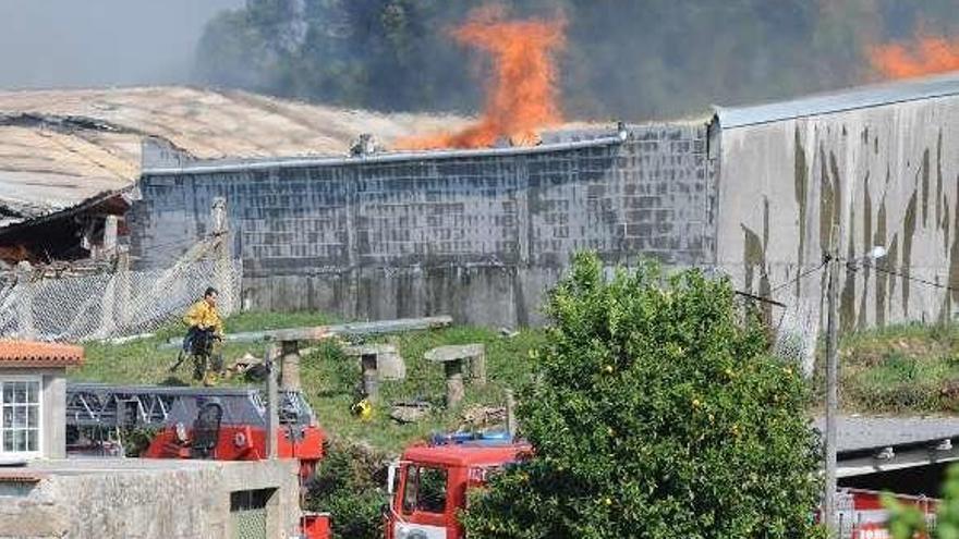 El incendio mortal en una nave de Curro sienta en el banquillo a tres personas