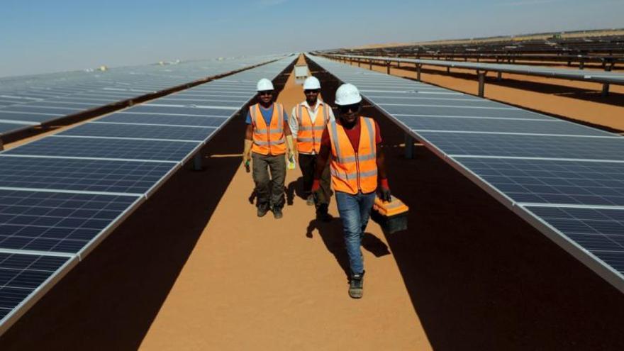 Així és la planta d'energia solar més gran del món