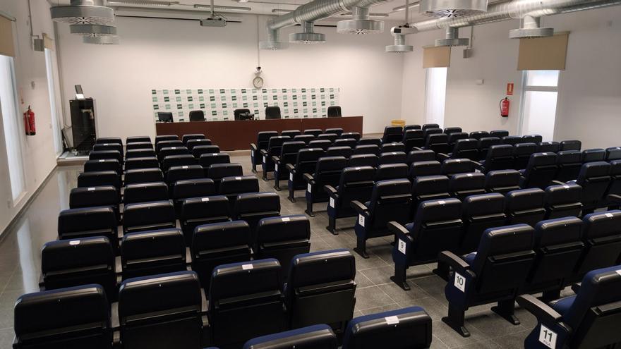 La universidad a distancia UNED, pionera en formación semipresencial en Baleares