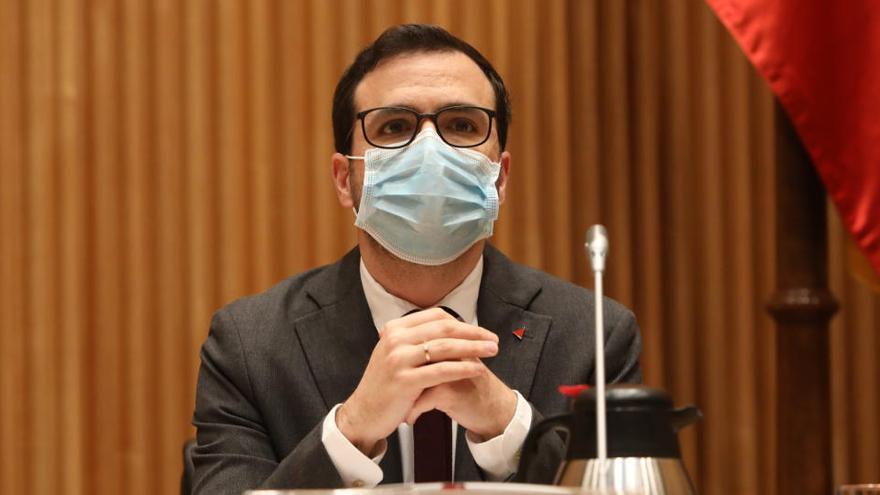 Garzón no considera acreditado que las mascarillas FFP2 protejan mejor