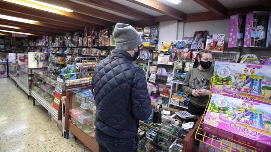 Canarias lidera las caídas en las ventas de los comercios minoristas