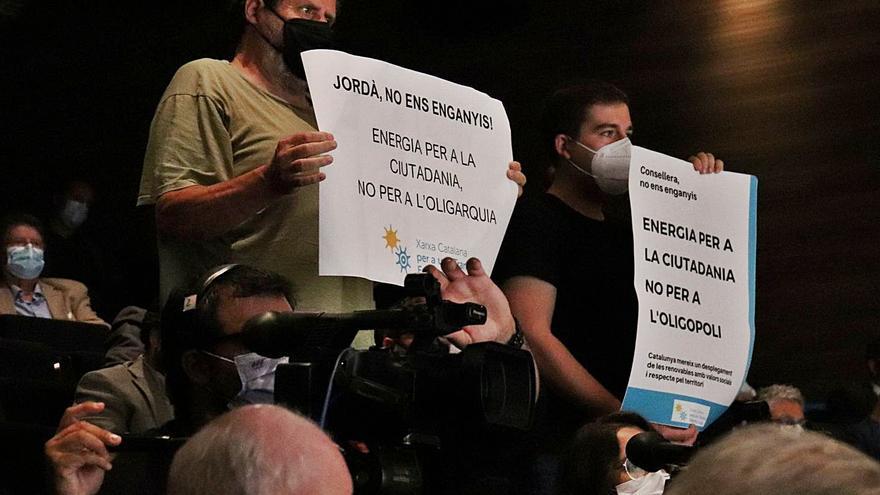 La Generalitat només agilitarà projectes de renovables consensuats