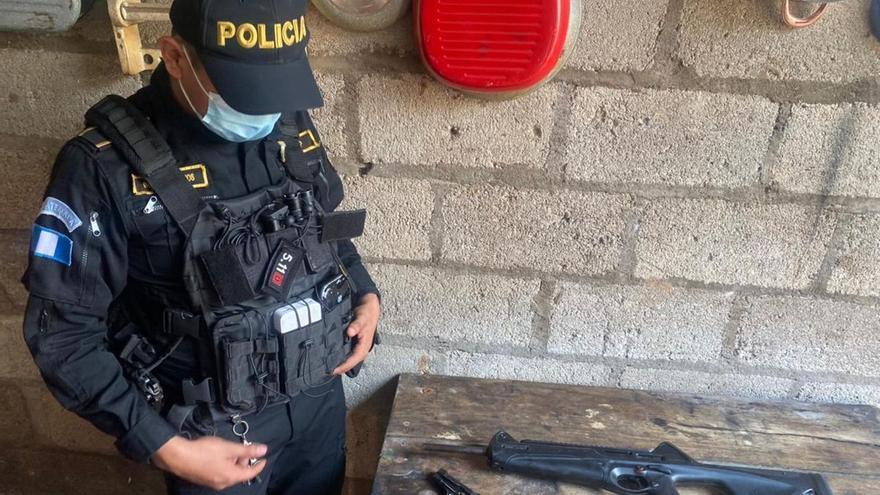 Matan a tres hombres en un vehículo en Ciudad de Guatemala