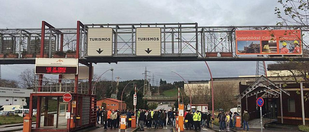 Arcelor aprieta a las auxiliares: huelgas en la empresa de seguridad y en Daorje