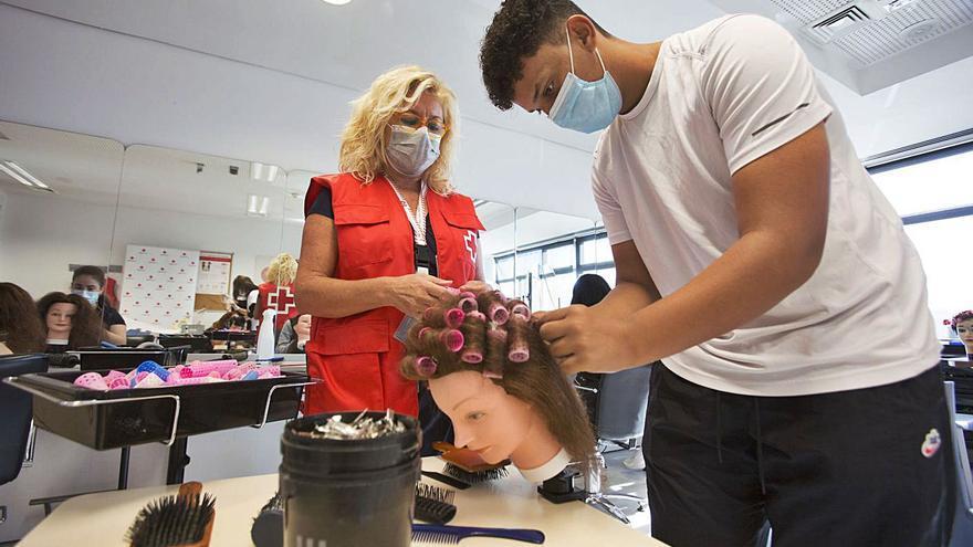Cursos de peluquería y estética para volver a empezar