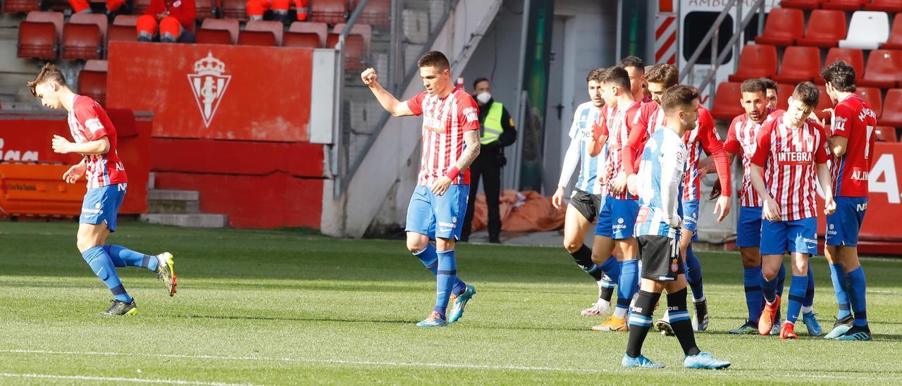 Djuka celebra el gol del empate a uno ante el Espanyol
