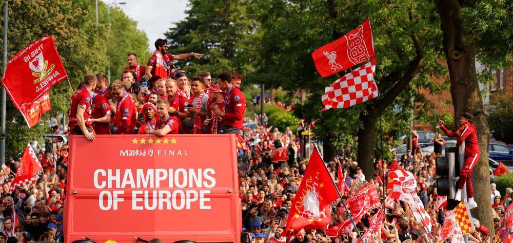 El Liverpool celebra con su afición la Champions