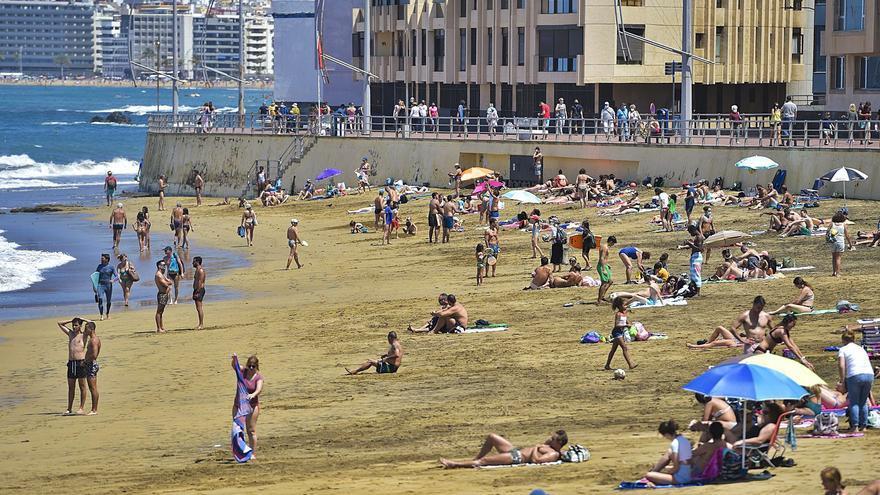 El turista local se adueña de los hoteles de las Islas atraído por ofertas del 30%